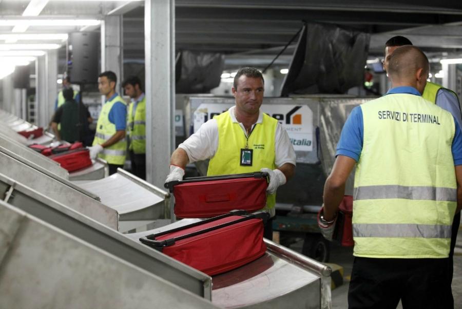 Lavoro carico scarico bagagli malpensa